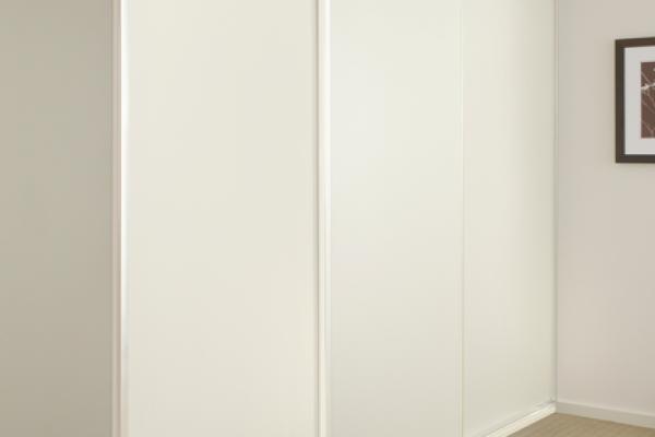 Cafe cream with White frame Slding Doors